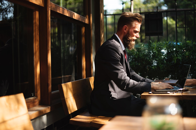 CEO, founder, entreprenur, working, outside, remote,